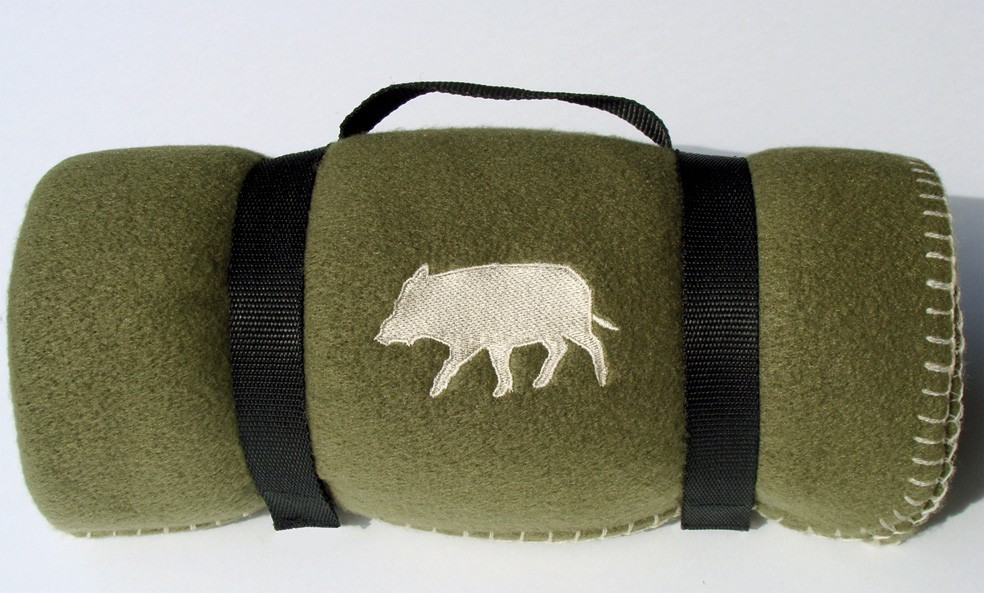 Plaid brodé sanglier, made in chasse - equipements de chasse
